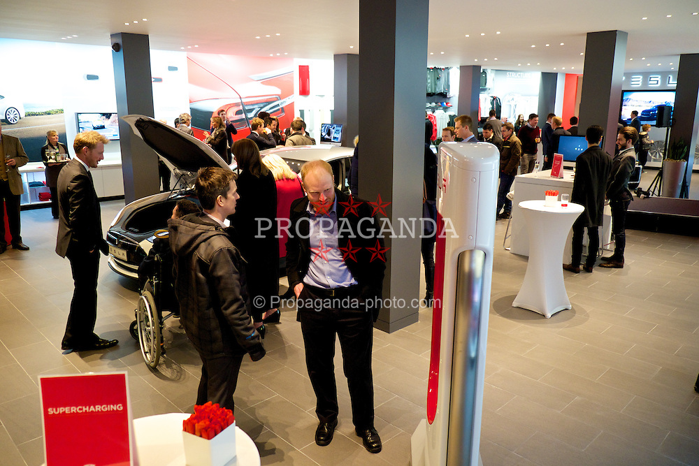 KNUTSFORD, ENGLAND - Thursday, January 15, 2015: Tesla Motors open their new retail showroom in Knutsford, Cheshire. (Pic by David Rawcliffe/Propaganda)