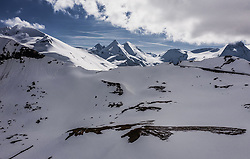 THEMENBILD - Blick Richtung Grossglockner. Die Grossglockner Hochalpenstrasse verbindet die beiden Bundeslaender Salzburg und Kaernten und ist als Erlebnisstrasse vorrangig von touristischer Bedeutung, aufgenommen am 23. Mai 2019 in Fusch a. d. Grossglocknerstrasse, Österreich // View in the direction of the Grossglockner. The Grossglockner High Alpine Road connects the two provinces of Salzburg and Carinthia and is as an adventure road priority of tourist interest, Fusch a. d. Grossglocknerstrasse, Austria on 2019/05/23. EXPA Pictures © 2019, PhotoCredit: EXPA/ JFK