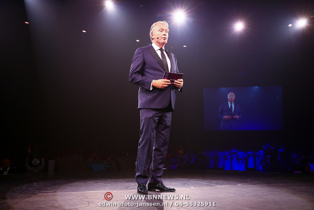 NLD/Amsterdam/20180616 - 26ste AmsterdamDiner 2018, Award voor Pr. Mabel, voorzitter Jacques Kuyf