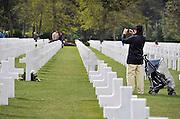 Frankrijk, Colleville, 11-5-2013Serie over de invasie door de geallieerden op de stranden van Normandie, 6 juni 1944. De amerikaanse militaire begraafplaats en monument bij Saint Laurant sur mer. Bevrijding, herdenking, 2e, tweede wereldoorlog, oorlog, atlantik wall, dday, d-day, d dayFoto: Flip Franssen/Hollandse Hoogte