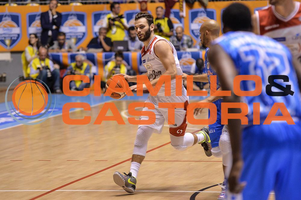 DESCRIZIONE : Supercoppa 2015 Semifinale Dinamo Banco di Sardegna Sassari - Grissin Bon Reggio Emilia<br /> GIOCATORE : Stefano Gentile<br /> CATEGORIA : Palleggio<br /> SQUADRA : Grissin Bon Reggio Emilia<br /> EVENTO : Supercoppa 2015<br /> GARA : Dinamo Banco di Sardegna Sassari - Grissin Bon Reggio Emilia<br /> DATA : 26/09/2015<br /> SPORT : Pallacanestro <br /> AUTORE : Agenzia Ciamillo-Castoria/L.Canu