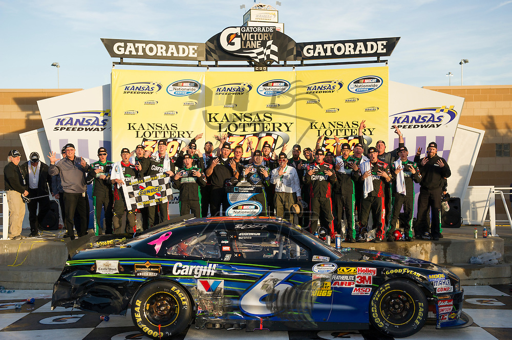 Kansas City, KS - OCT 20, 2012:  Ricky Stenhouse, Jr. (6) wins the Kansas Lottery 300 at Kansas Speedway in Kansas City, KS.