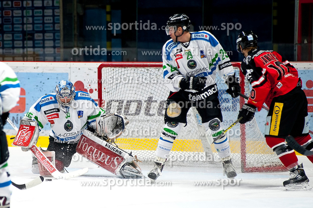 04.10.2015, Ice Rink, Znojmo, CZE, EBEL, HC Orli Znojmo vs HDD TELEMACH Olimpija Ljubljana, 8. Runde, im Bild v.l. Oliver Roy (HDD TELEMACH Olimpija Ljubljana) Anze Ropret (HDD TELEMACH Olimpija Ljubljana) David Bartos (HC Orli Znojmo) // during the Erste Bank Icehockey League 8th round match between HC Orli Znojmo and Moser Medical Graz 99ers at the Ice Rink in Znojmo, Czech Republic on 2015/10/04. EXPA Pictures © 2015, PhotoCredit: EXPA/ Rostislav Pfeffer
