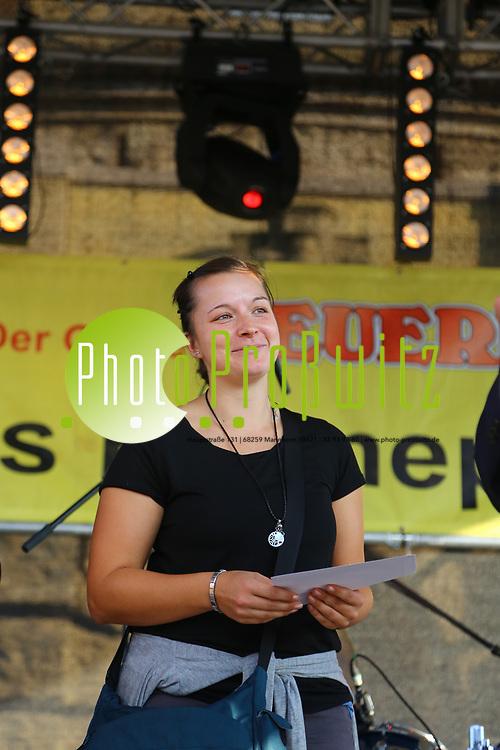 Mannheim. 23.09.17 | 50. Blumepeterfest<br /> Am Wasserturm. 50. Blumepeterfest. Benefozaktion zu Gunsten der Mannheimer Morgen Hilfsaktion Wir wollen helfen. Ausgerichtet vom Feuerio<br /> <br /> <br /> <br /> BILD- ID 1467 |<br /> Bild: Markus Prosswitz 23SEP17 / masterpress (Bild ist honorarpflichtig - No Model Release!)