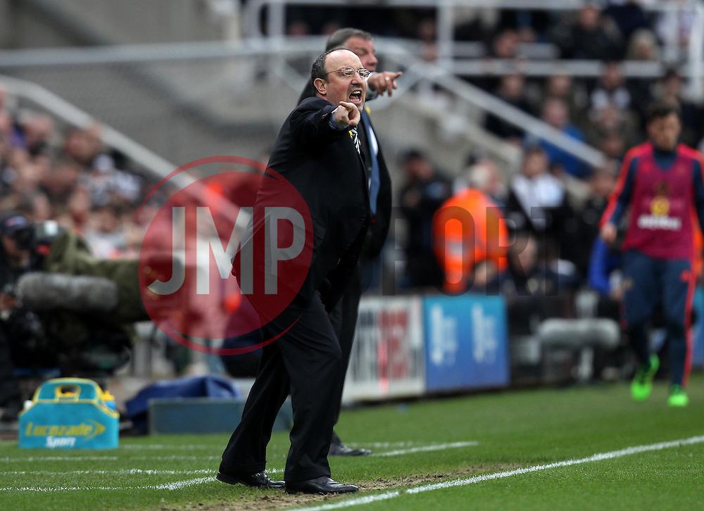 Newcastle United Manager Rafa Benitez issues instructions - Mandatory byline: Robbie Stephenson/JMP - 20/03/2016 - FOOTBALL - ST James Park - Newcastle, England - Newcastle United v Sunderland - Barclays Premier League