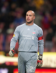 BUCHAREST, ROMANIA - Thursday, December 2, 2010: Liverpool's captain goalkeeper Jose Reina in action against FC Steaua Bucuresti during the UEFA Europa League Group K match at the Stadionul Steaua. (Pic by: David Rawcliffe/Propaganda)