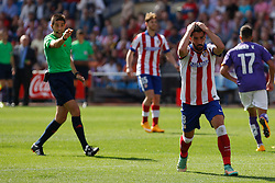 19.10.2014, Estadio Vicente Calderon, Madrid, ESP, Primera Division, Atletico Madrid vs Espanyol Barcelona, 8. Runde, im Bild Atletico de Madrid´s Raul Garcia complains about a referee´s decission // uring the Spanish Primera Division 8th round match between Club Atletico de Madrid and Espanyol Barcelona at the Estadio Vicente Calderon in Madrid, Spain on 2014/10/19. EXPA Pictures © 2014, PhotoCredit: EXPA/ Alterphotos/ Victor Blanco<br /> <br /> *****ATTENTION - OUT of ESP, SUI*****