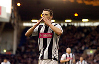 Photo: Leigh Quinnell.<br /> West Bromwich Albion v Coventry City. Coca Cola Championship. 16/12/2006. Jason Koumas blows a kiss to the crowd after his goal.