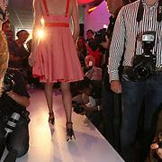 """NLD/Amsterdam/20080529 - Verkiezing Killerlegs on the catwalk """" Mooiste benen van Nederland 2008 """" , deelneemster op de catwalk"""