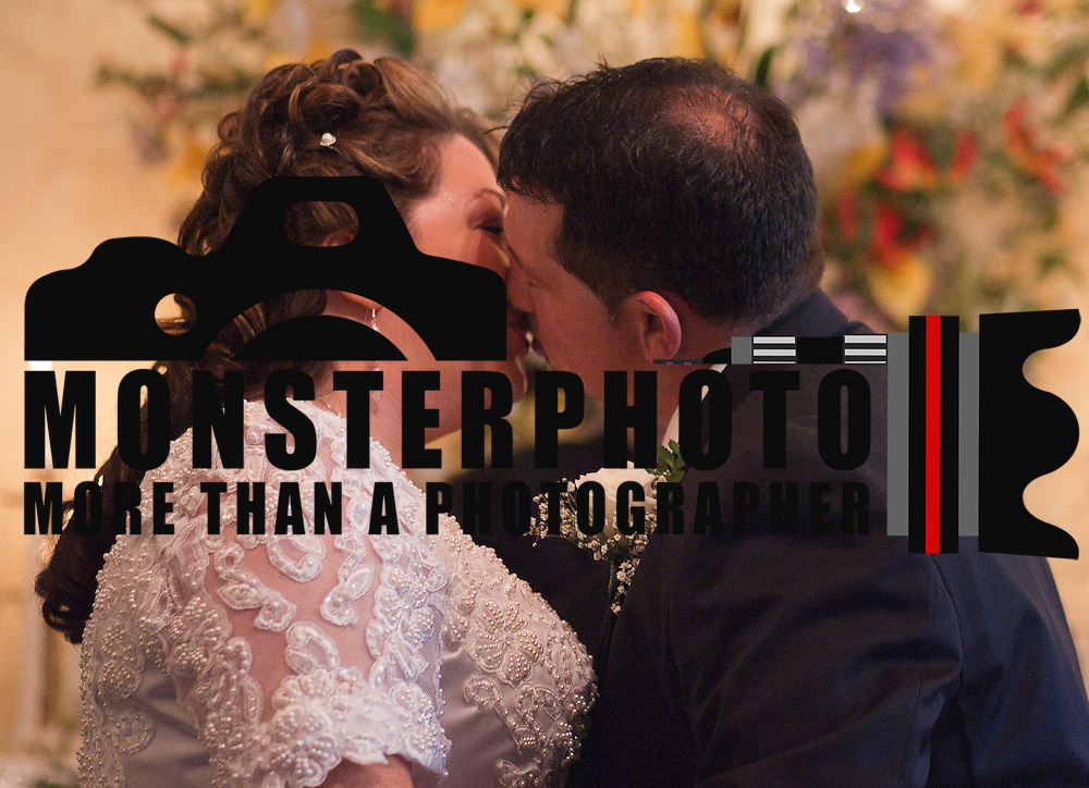 11/11/11 Elkton MD: Susan Lynn McGinnis and Michael Paul Daugherty kiss each other during their wedding ceremony Friday, Nov. 11, 2011 at Elkton Wedding Chapel in Elkton Maryland...Special to The News Journal/SAQUAN STIMPSON