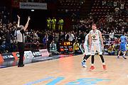 DESCRIZIONE : Milano BEKO Final Eigth  2016<br /> Vanoli Cremona - Dinamo Banco di Sardegna Sassari<br /> GIOCATORE : Nicolo Cazzolato<br /> CATEGORIA :  Ritratto Esultanza Arbitro Referee Mani<br /> SQUADRA : Vanoli Cremona<br /> EVENTO : BEKO Final Eight 2016<br /> GARA : Vanoli Cremona - Dinamo Banco di Sardegna Sassari<br /> DATA : 19/02/2016<br /> SPORT : Pallacanestro<br /> AUTORE : Agenzia Ciamillo-Castoria/M.Longo<br /> Galleria : Lega Basket A 2016<br /> Fotonotizia : Milano Final Eight  2015-16 Vanoli Cremona - Dinamo Banco di Sardegna Sassari<br /> Predefinita :