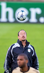 MARSEILLE, FRANCE - Monday, September 15, 2008: Liverpool's manager Rafael Benitez training ahead of the opening UEFA Champions League Group D match against Olympique de Marseille at Stade Velodrome. (Photo by David Rawcliffe/Propaganda)