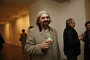 KEITH TYSON, Private view- Vija Celmins, Ewan Gibbs and Agnes Martin. timothy Taylor Gallery, Dering St. London. 30 March 2006. ONE TIME USE ONLY - DO NOT ARCHIVE  © Copyright Photograph by Dafydd Jones 66 Stockwell Park Rd. London SW9 0DA Tel 020 7733 0108 www.dafjones.com