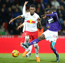 07.11.2015, Generali Arena, Wien, AUT, 1. FBL, FK Austria Wien vs FC Red Bull Salzburg, 15. Runde, im Bild Jonathan Doin (FC Red Bull Salzburg) und Olarenwaju Ayobami Kayode (FK Austria Wien) // during Austrian Football Bundesliga Match, 15th Round, between FK Austria Vienna and FC Red Bull Salzburg at the Generali Arena, Vienna, Austria on 2015/11/07. EXPA Pictures © 2015, PhotoCredit: EXPA/ Thomas Haumer