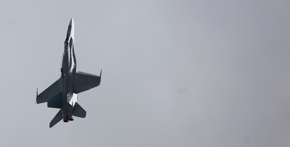 An Australian F18 fighter in the 75th Anniversary Airshow at Ohakea Airforce base, New Zealand, Saturday, 31 March, 2012. Credit:SNPA / John Cowpland