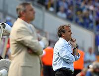 Fussball WM 2006  Gruppenspiel  Vorrunde Japan - Kroatien Die beiden Trainer Zlatko Kranjcar (CRO li) und Zico (JPN rechts) im Portraet