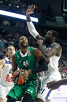 Real Madrid's Othello Hunter (r) and Darussafaka Dogus Istambul's Marcus Slaughter during Euroleague, playoffs, Game 2. April 21, 2017. (ALTERPHOTOS/Acero)
