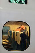 Japon : les brigades de nettoyage du Shinkansen