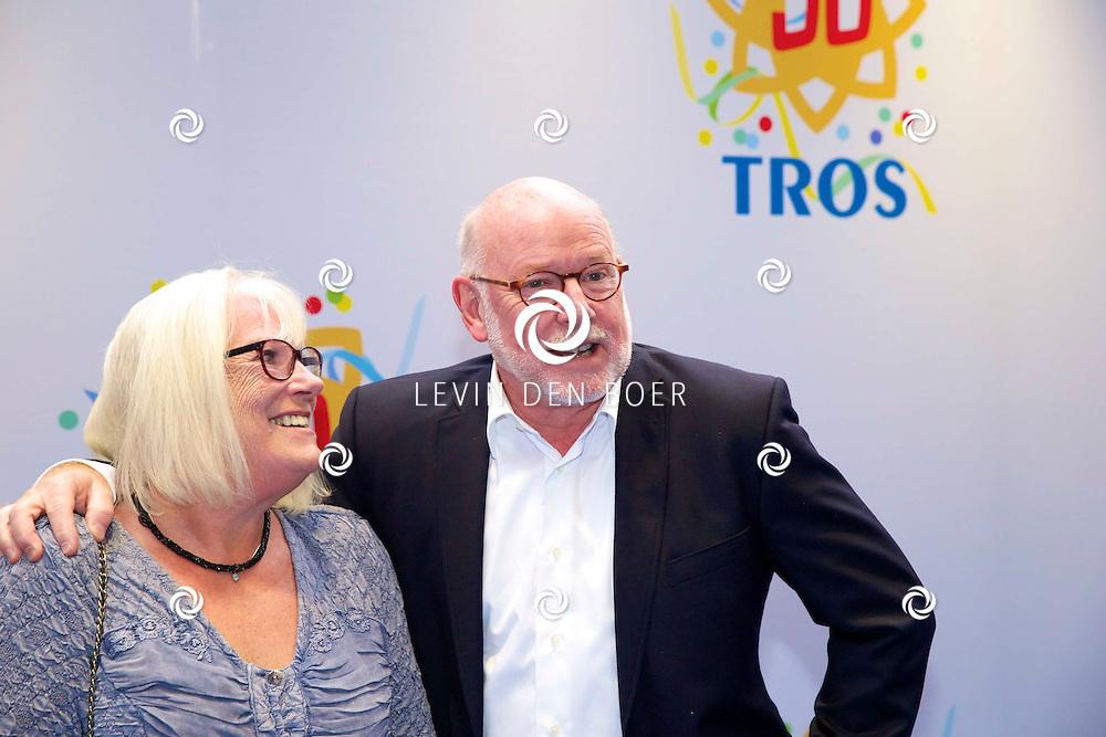 AMSTERDAM - 50 Jaar Tros is gevierd in theater Carré met heel veel bekende Nederlanders uit de Tros wereld. Met hier op de foto  Ferry Maat met partner. FOTO LEVIN DEN BOER - PERSFOTO.NU