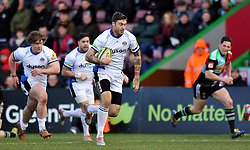 Matt Banahan of Bath Rugby goes on the attack - Photo mandatory by-line: Patrick Khachfe/JMP - Mobile: 07966 386802 31/01/2015 - SPORT - RUGBY UNION - London - The Twickenham Stoop - Harlequins v Bath Rugby - LV= Cup
