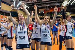 17-02-2019 NED: National Cupfinal Sliedrecht Sport - Apollo 8, Zwolle<br /> Sliedrecht Sport Cup winner 2019, Carlijn Ghijssen-Jans #10 of Sliedrecht Sport, Esther van Berkel #7 of Sliedrecht Sport