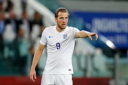 Harry Kane of England points - Photo mandatory by-line: Rogan Thomson/JMP - 07966 386802 - 31/03/2015 - SPORT - FOOTBALL - Turin, Italy - Juventus Stadium - Italy v England - FIFA International Friendly Match.