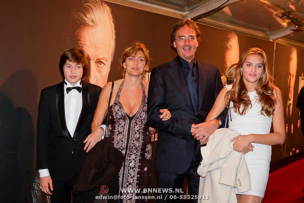 NLD/Amsterdam/20111017 - Premiere De Heineken Ontvoering, regisseur Maarten Treurniet, partner en kinderen