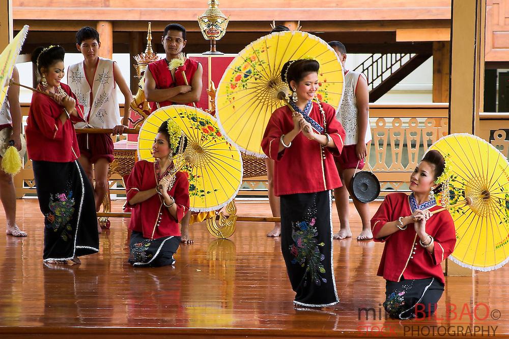 dancers in Vimanmek Palace.  Dusit Palace. Bangkok, Thailand.