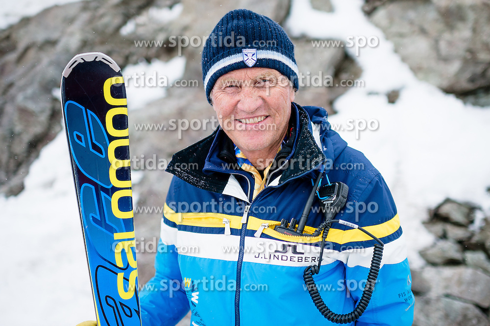 15.03.2016, Engiadina, St. Moritz, SUI, FIS Weltcup Ski Alpin, St. Moritz, Abfahrt, Herren, 1. Training, im Bild Medien Besichtigung Freefall Start mit Rennchef Martin Berthod // during 1st training run for the men's Downhill of St. Moritz Ski Alpine World Cup finals at the Engiadina in St. Moritz, Switzerland on 2016/03/15. EXPA Pictures © 2016, PhotoCredit: EXPA/ Freshfocus/ Manuel Lopez<br /> <br /> *****ATTENTION - for AUT, SLO, CRO, SRB, BIH, MAZ only*****