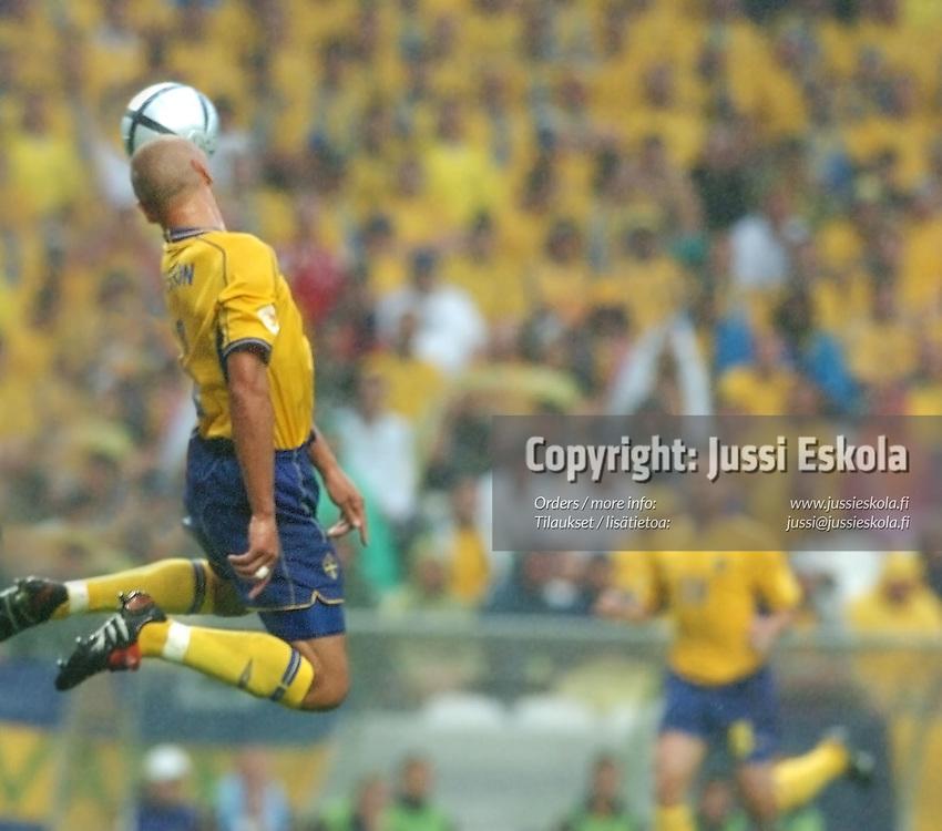 Swedish player (Henrik Larsson) v Denmark 22.6.2004.&amp;#xA;Euro 2004.&amp;#xA;Photo: Jussi Eskola<br />