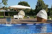 Modern Pool 447