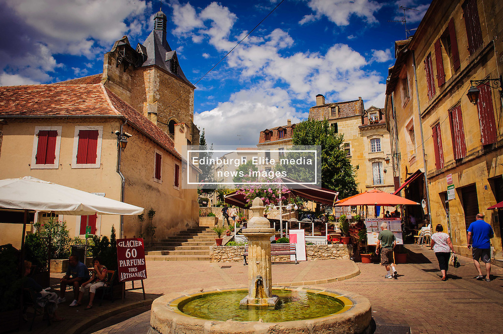 Place Pelissiere, Bergerac, France<br /> <br /> (c) Andrew Wilson | Edinburgh Elite media