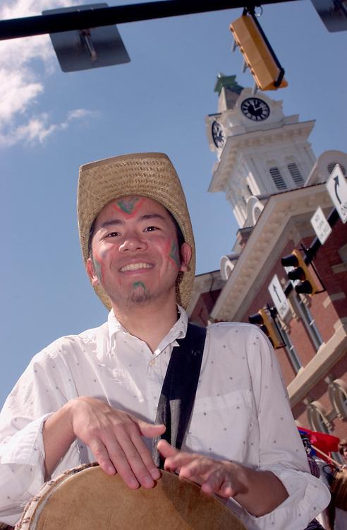 16989International Street Fair May 2005