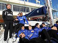 07-01-2009 Voetbal:Willem II:Trainingskamp:Torremolinos:Spanje<br /> Willem II ging vanochtend met een catamaran de open zee op in Spanje. <br /> Als een echte kapitein kijkt Andries Jonker over zijn manschappen de haven in<br /> Foto: Geert van Erven
