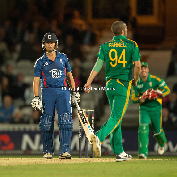 Jonathan Trott out to Wayne Parnell during the third NatWest Series one day international between England and South Africa at the Kia Oval, London. Photo: Graham Morris (Tel: +44(0)20 8969 4192 Email: sales@cricketpix.com) 31/08/12