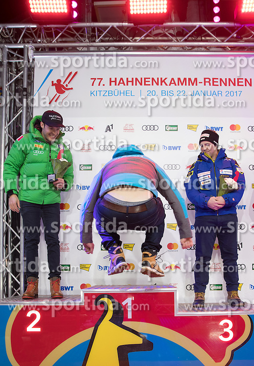 20.01.2017, Hahnenkamm, Kitzbühel, AUT, FIS Weltcup Ski Alpin, Kitzbuehel, Super G, Herren, Siegerehrung, im Bild v.l. Christof Innerhofer (ITA, 2. Platz), Matthias Mayer (AUT, 1. Platz), Beat Feuz (SUI, 3. Platz) // f.l. second placed Christof Innerhofer of Italy race winner Matthias Mayer of Austria third placed Beat Feuz of Switzerland during the winner Ceremony for the men's SuperG of FIS Ski Alpine World Cup at the Hahnenkamm in Kitzbühel, Austria on 2017/01/20. EXPA Pictures © 2017, PhotoCredit: EXPA/ Johann Groder