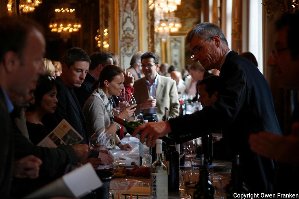 wine tasting of St. Emilion (Bordeaux) Grands Cru Classe, in Paris