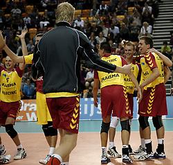 03-10-2010 VOLLEYBAL: SUPERCUP LANDSTEDE VOLLEYBAL - DRAISMA DYNAMO: APELDOORN<br /> Dynamo wint vrijeenvoudig met 3-0 van Zwolle / Vreugde bij Dynamo met oa Sjoerd Hoogendoorn, Floris van Rekom en Ewoud Gommans<br /> &copy;2010-WWW.FOTOHOOGENDOORN.NL
