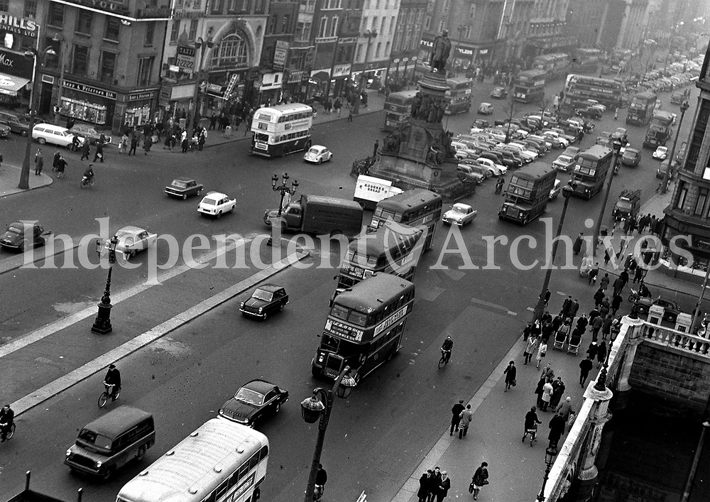 View of O' Connell St bridge in Dublin in 1964.<br />