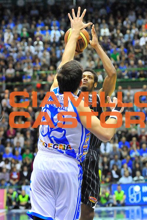 DESCRIZIONE : Campionato 2013/14 Dinamo Banco di Sardegna Sassari - Pasta Reggia Caserta<br /> GIOCATORE : Jeff Brooks<br /> CATEGORIA : Tiro<br /> SQUADRA : Pasta Reggia Juve Caserta<br /> EVENTO : LegaBasket Serie A Beko 2013/2014<br /> GARA : Dinamo Banco di Sardegna Sassari - Pasta Reggia Caserta<br /> DATA : 27/04/2014<br /> SPORT : Pallacanestro <br /> AUTORE : Agenzia Ciamillo-Castoria / Luigi Canu<br /> Galleria : LegaBasket Serie A Beko 2013/2014<br /> Fotonotizia : Campionato 2013/14 Dinamo Banco di Sardegna Sassari - Pasta Reggia Caserta<br /> Predefinita :