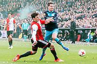 ROTTERDAM - Feyenoord - PSV , Voetbal , Eredivisie , Seizoen 2016/2017 , De Kuip , 26-02-2017 ,  PSV speler Marco van Ginkel (r) in duel met Feyenoord speler Eric Botteghin (l)