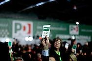 ROMA. DELEGATI ALL'ASSEMBLEA DEL PARTITO DEMOCRATICO DURANTE IL VOTO
