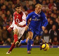 Fotball<br /> Premier League England 2004/2005<br /> Foto: BPI/Digitalsport<br /> NORWAY ONLY<br /> <br /> Arsenal v Chelsea<br /> FA Barclays Premiership, Highbury 12/12/04<br /> <br /> Arsenal's Cesc Fabregas and Chelsea's Eidur Gudjohnson