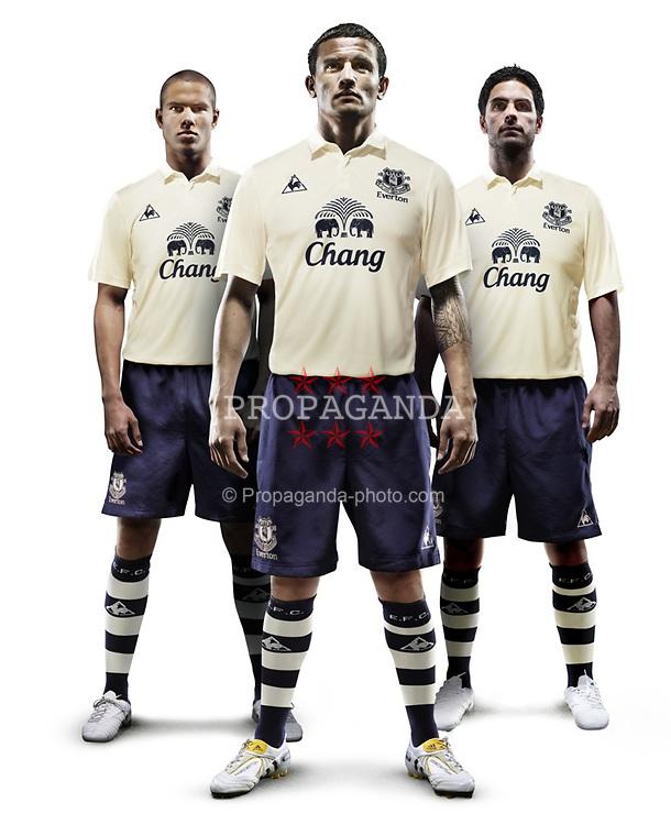 Everton FC s vanilla third kit for the 2010 2011 season modeled by Jack  Rodwell 621c1e9c1
