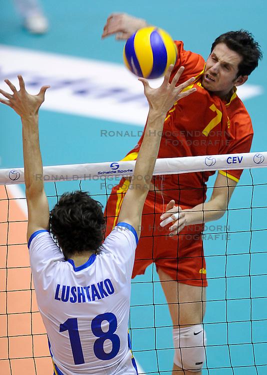 29-05-2010 VOLLEYBAL: EK KWALIFICATIE MACEDONIE - ZWEDEN: ROTTERDAM<br /> Macedonie verslaat Zweden met 3-0 /  Aleksandar Milkov<br /> &copy;2010-WWW.FOTOHOOGENDOORN.NL