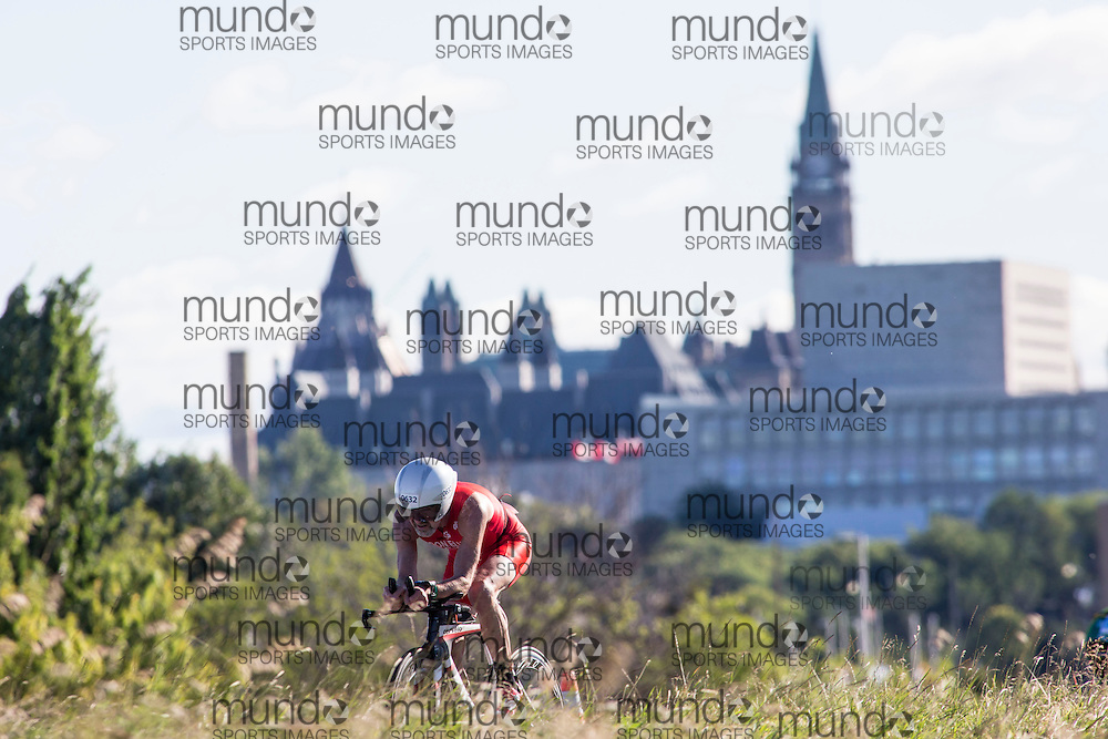 (Ottawa, Canada---10 August 2013)  Patrick Donnelly (632)  of Canada (CAN) competing in the 60-64 Male AG International Triathlon Union 2013 World Duathlon Championships (10 km run- 40 km bike- 5km run).