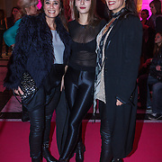 NLD/Amsterdam/20131111 - Beau Monde Awards 2013, Lois Lane, Suzanne en Monique Klemann en haar dochter