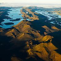 Langisjór séð til norðurs, Vatnajökull í fjarska. /.Lake Langisjor viewing north to Vatnajokull Glaier, Highlands of Iceland.