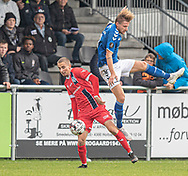 Lucas Haren (FC Helsingør) og Rasmus Suhr Petersen (Holbæk B&I) under kampen i 2. Division mellem Holbæk B&I og FC Helsingør den 20. oktober 2019 i Holbæk Sportsby (Foto: Claus Birch).