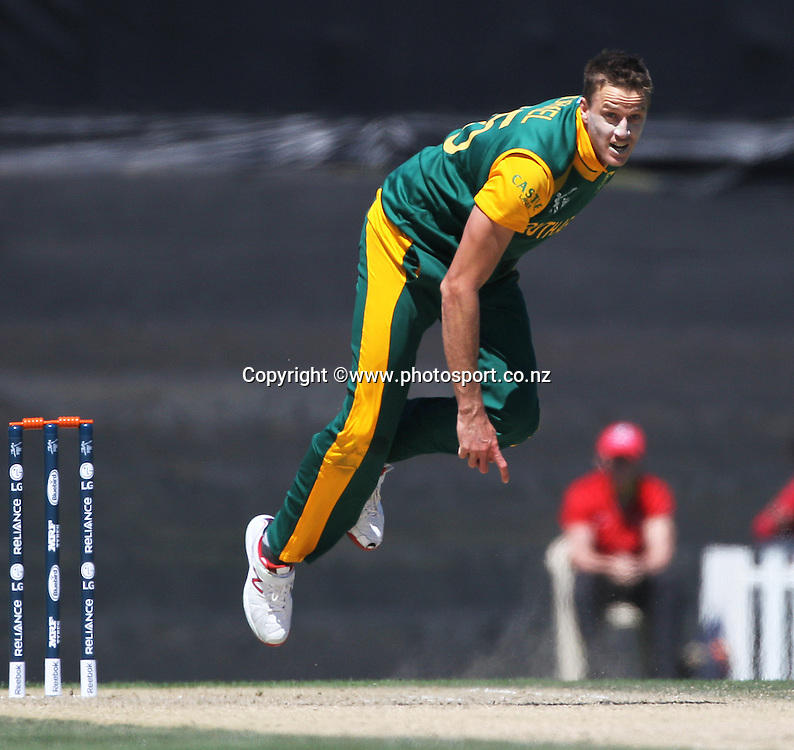Morne Morkel of South Africa bowling during the ICC Cricket World Cup warm up game between New Zealand v South Africa at Hagley Oval, Christchurch. 11 February 2015 Photo: Joseph Johnson / www.photosport.co.nz